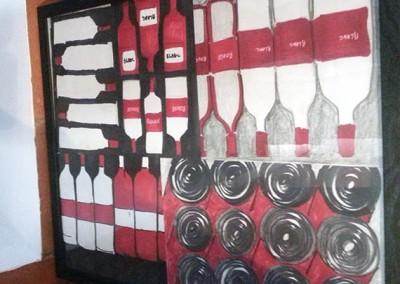bouteilles en noir et rouge